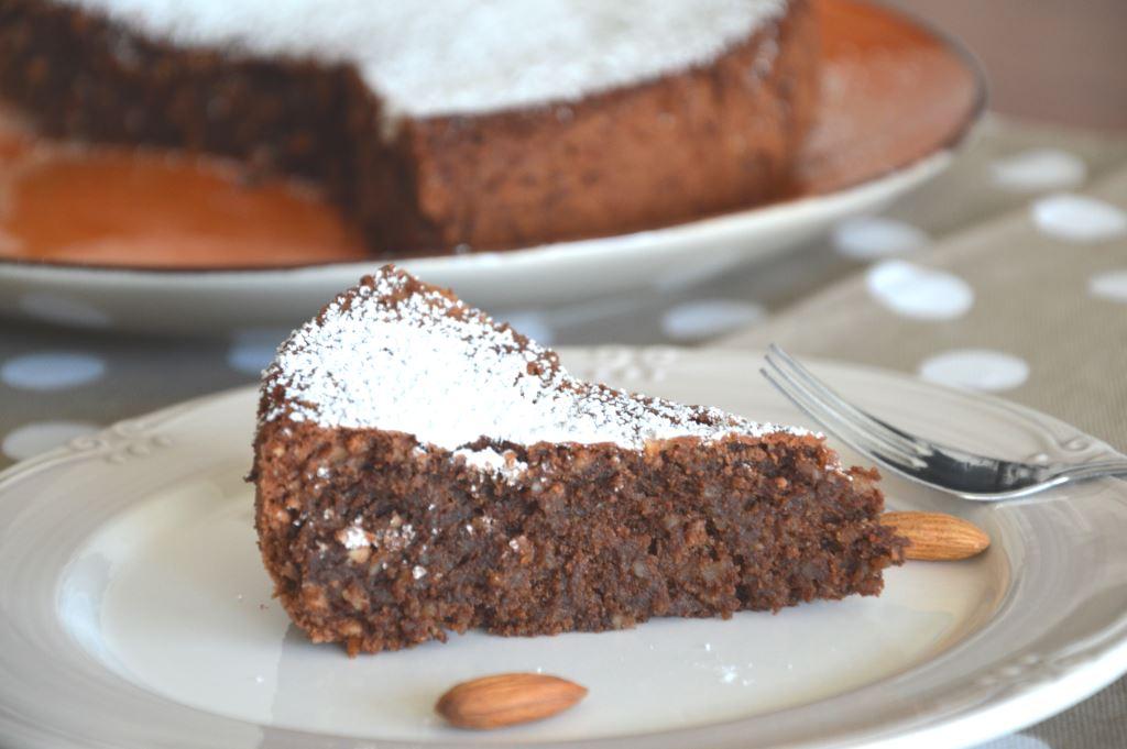 Ciasto caprese z czekoladą i migdałami