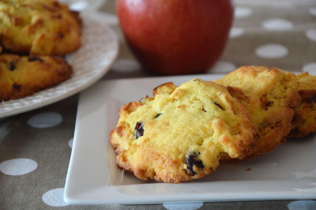 Ciasteczka z jabłkami i żurawiną