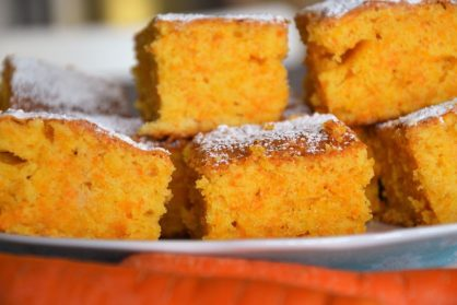 Puszyste ciasto marchewkowe